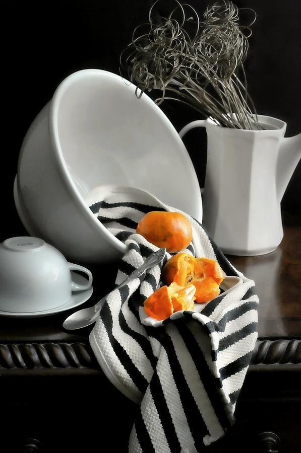 Still Life Photograph - Tangerines by Diana Angstadt