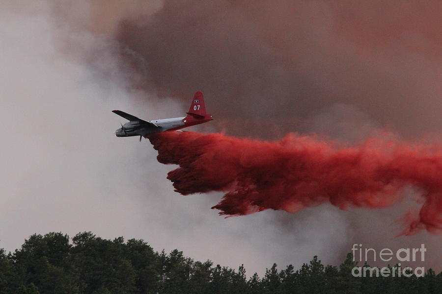 Wildfire Photograph - Tanker 07 Drops On The Myrtle Fire by Bill Gabbert