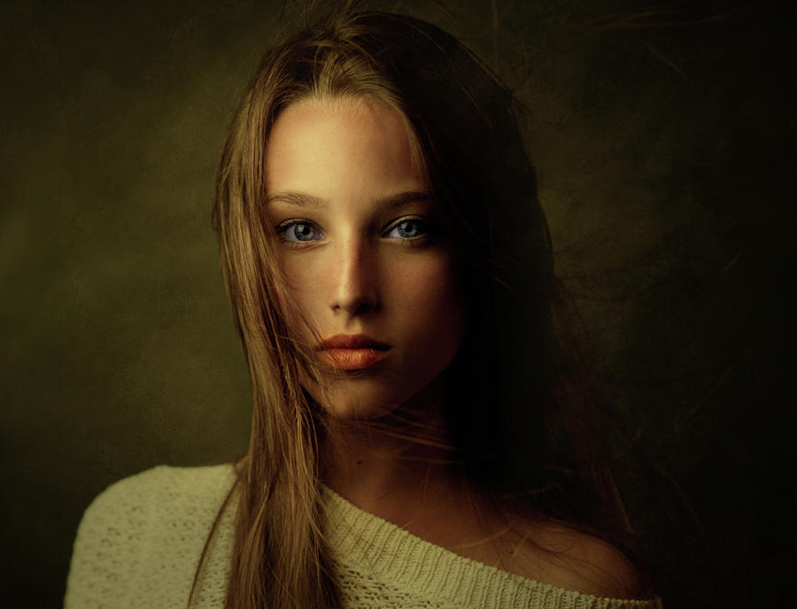 Portrait Photograph - Tanya by Zachar Rise