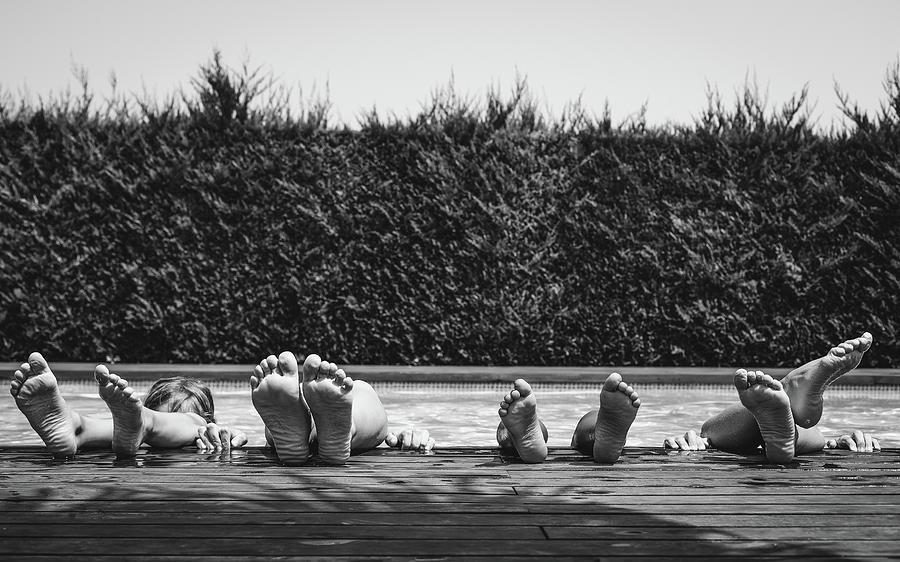Feet Photograph - Tardes Destiu by Gloria Salgado Gispert