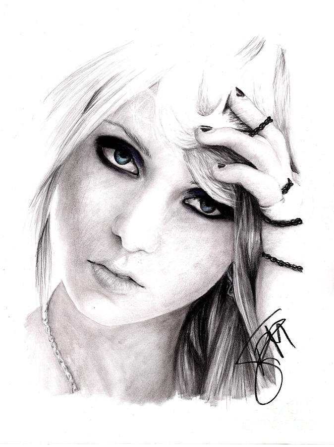 Taylor Momsen Drawing - Taylor Momsen by Rosalinda Markle