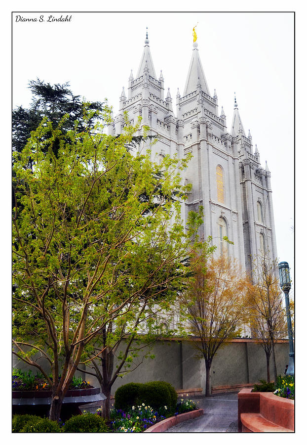 Salt Lake City Temple Photograph - Temple In Sight by Dianna Lindahl