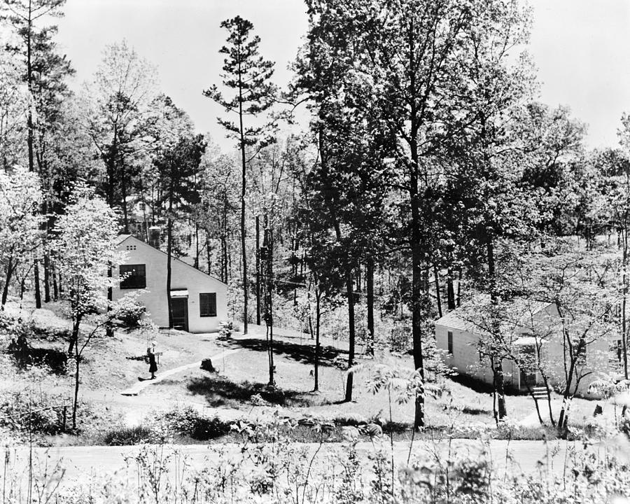 1935 Photograph - Tennessee Housing, C1935 by Granger