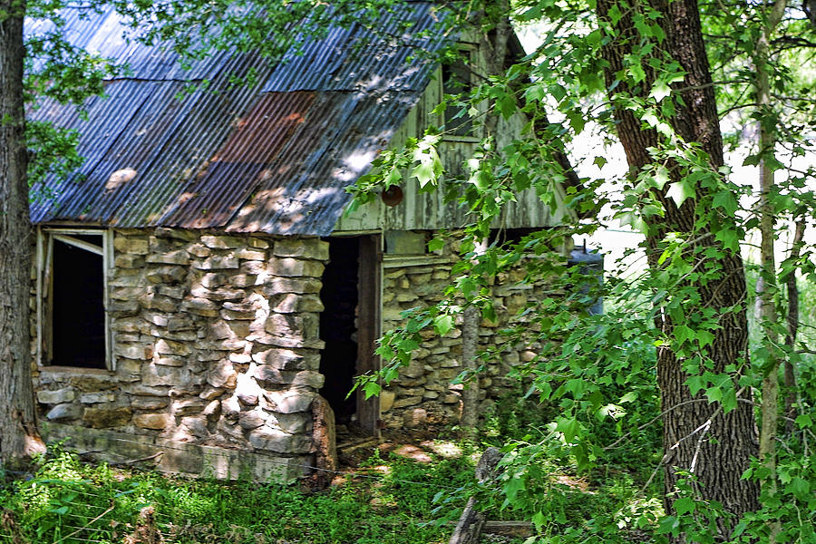 texas stone cabin in woods photograph by linda phelps