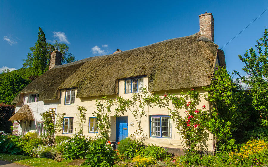 Dunster Photograph - Thatched Cottage In Dunster Somerset by David Ross