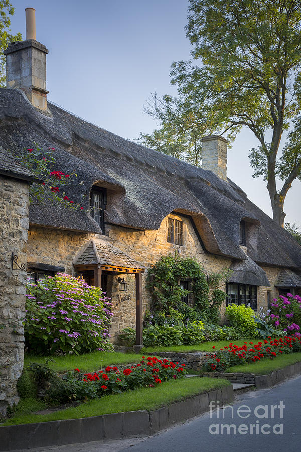 Thatched Roof Cotswolds Photograph By Brian Jannsen