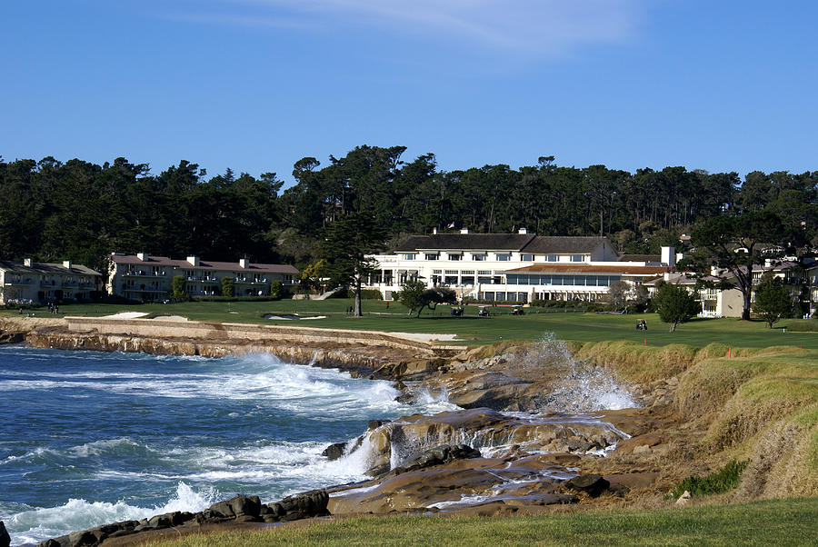 Barbara Snyder Photograph - The 18th At Pebble Beach by Barbara Snyder