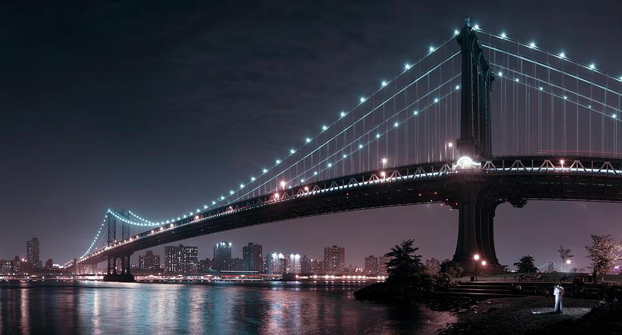 Bridge Photograph - The 2 Lovers Under Manhattan Bridge by Fabien Bravin