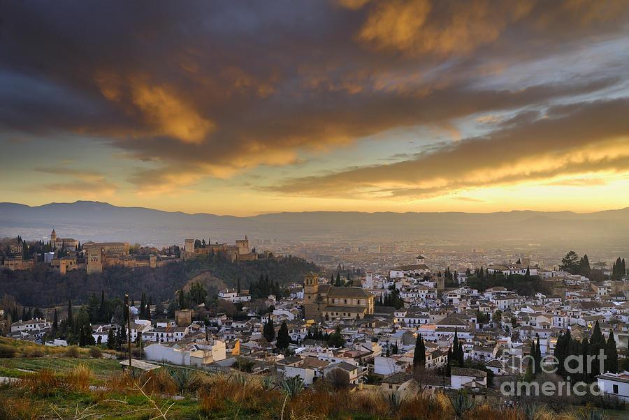 The alhambra granada and albaicin at sunset photograph by - Foto imago granada ...