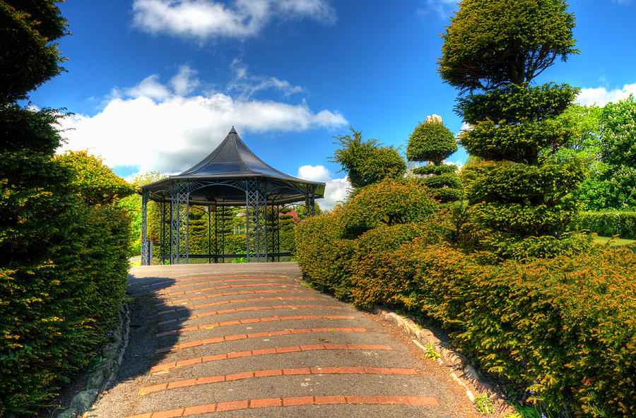 Alexandra Park Penarth Photograph - The Bandstand by Steve Purnell