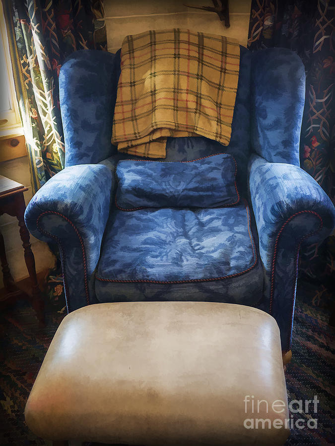 Living Photograph - The Big Blue Chair - Oil by Edward Fielding
