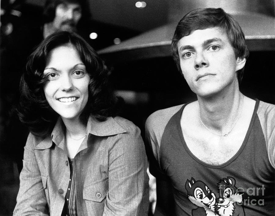 Carpenters Photograph - The Carpenters 1972 by Chris Walter