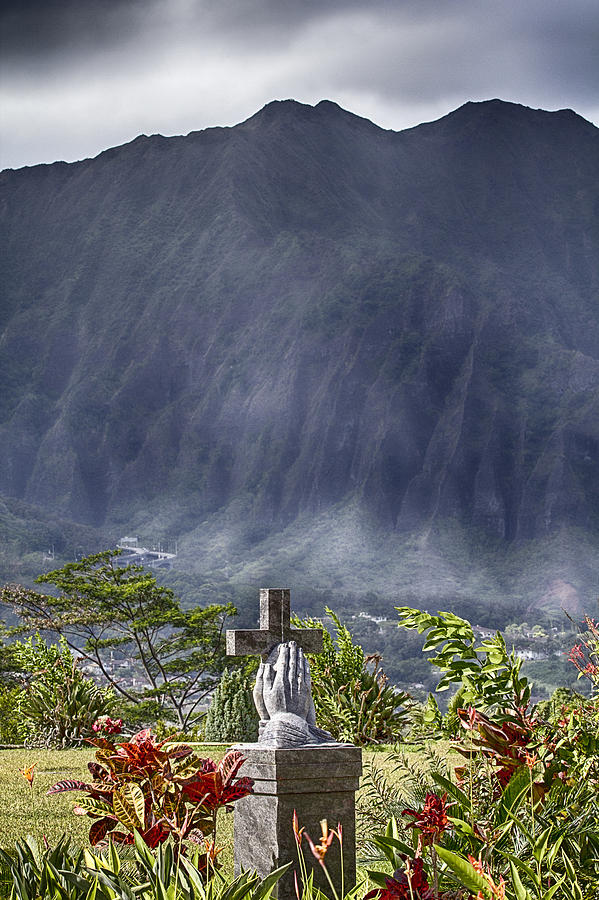 Hawaii Photograph - The Cross by Douglas Barnard
