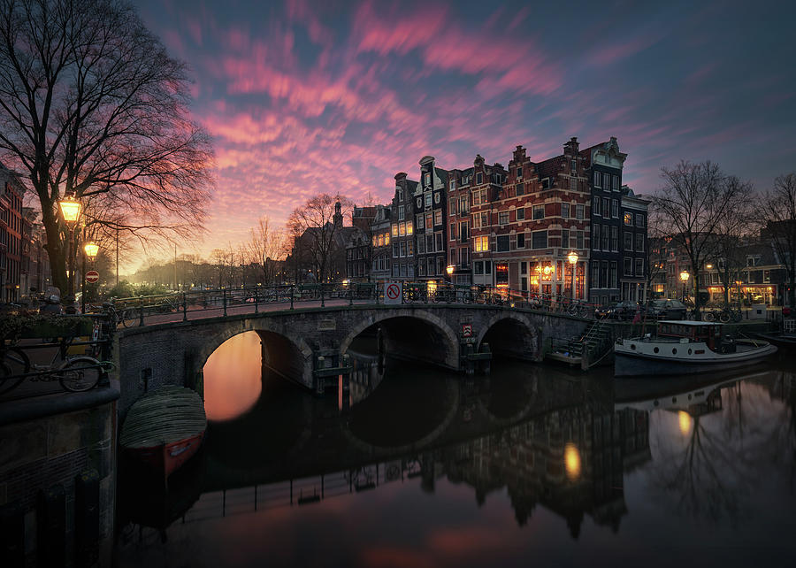 Amsterdam Photograph - The Cross by Juan Pablo De