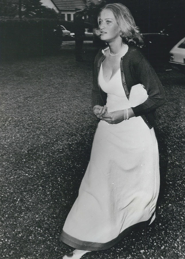 Retro Photograph - The Danes Believe Countess Desires Could Be The Bride For by Retro Images Archive