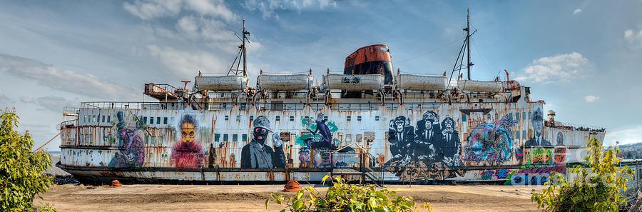 Duke Of Lancaster Photograph - The Duke Of Graffiti by Adrian Evans