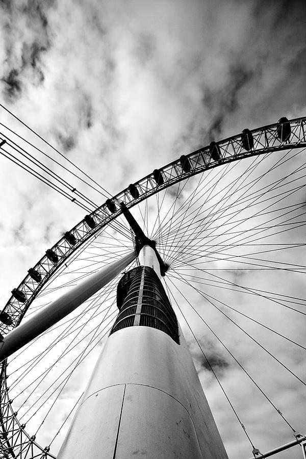 London Photograph - The Eye by Jorge Maia