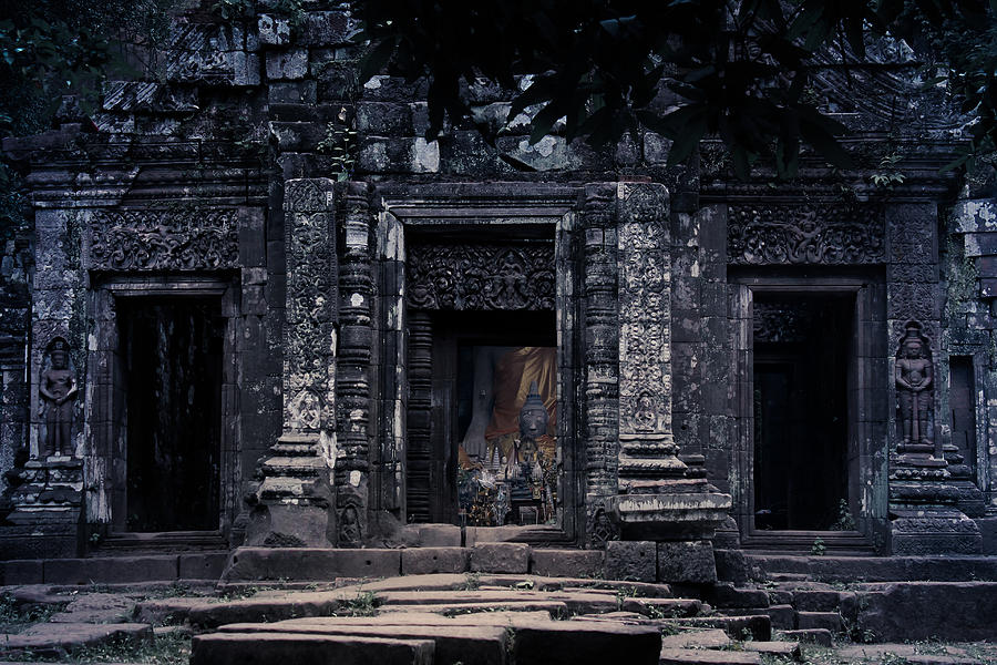 Angkor Photograph - The Facade Of Sanctuary by Nawarat Namphon