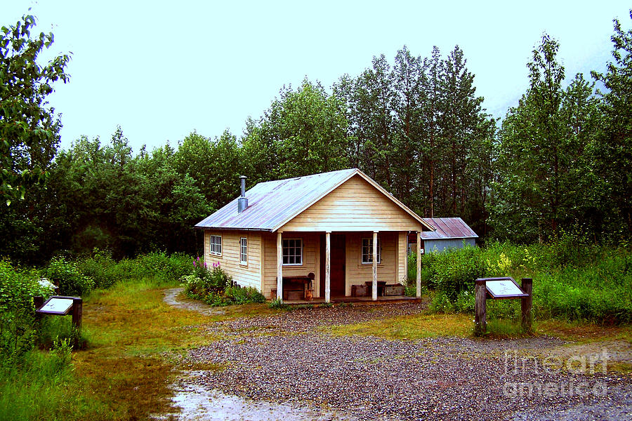 Fannie Quigley's Cabin Photograph - The Famous Cabin Of Fannie Quigley by Kathy  White