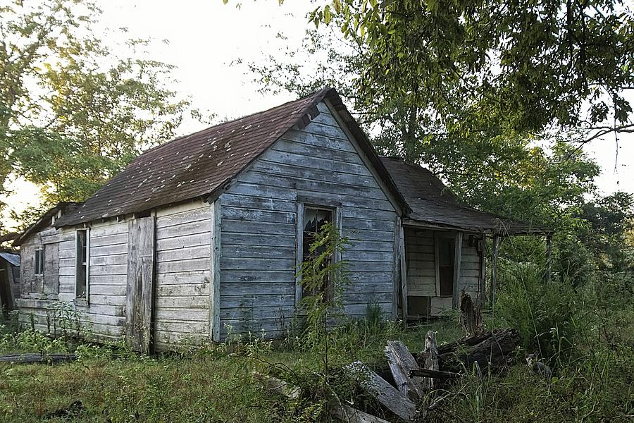 Abandoned Photograph - The Farm House by Tommy Wallace