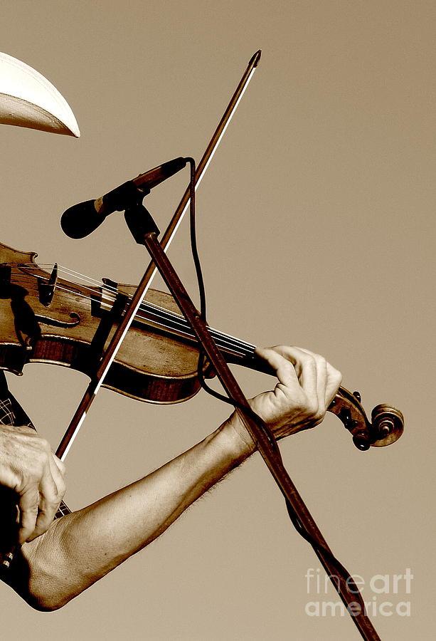 Music Photograph - The Fiddler by Robert Frederick