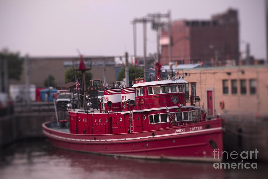 Buffalo Fire Department Photograph - The Fireboat The Cotter by Jim Lepard