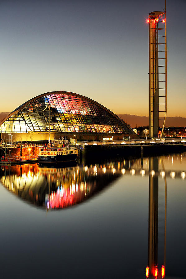 Glasgow Tower Photograph - The Glasgow Science Centre by Grant Glendinning