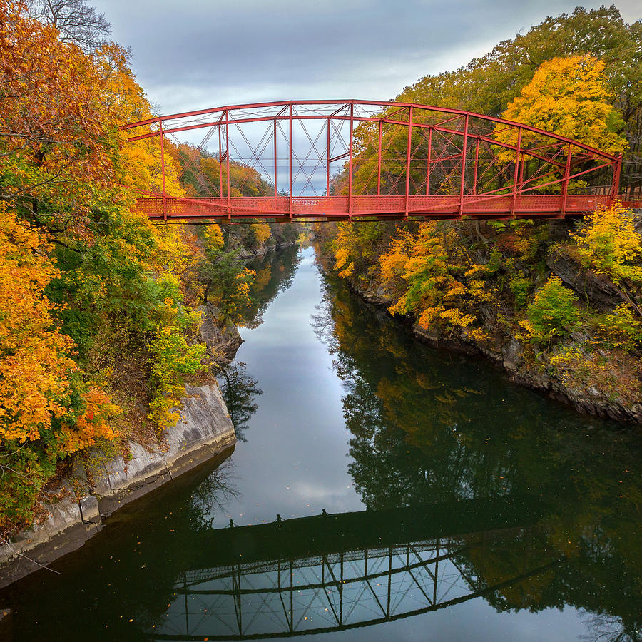 Lovers Leap Photograph - The Gorge Square by Bill Wakeley