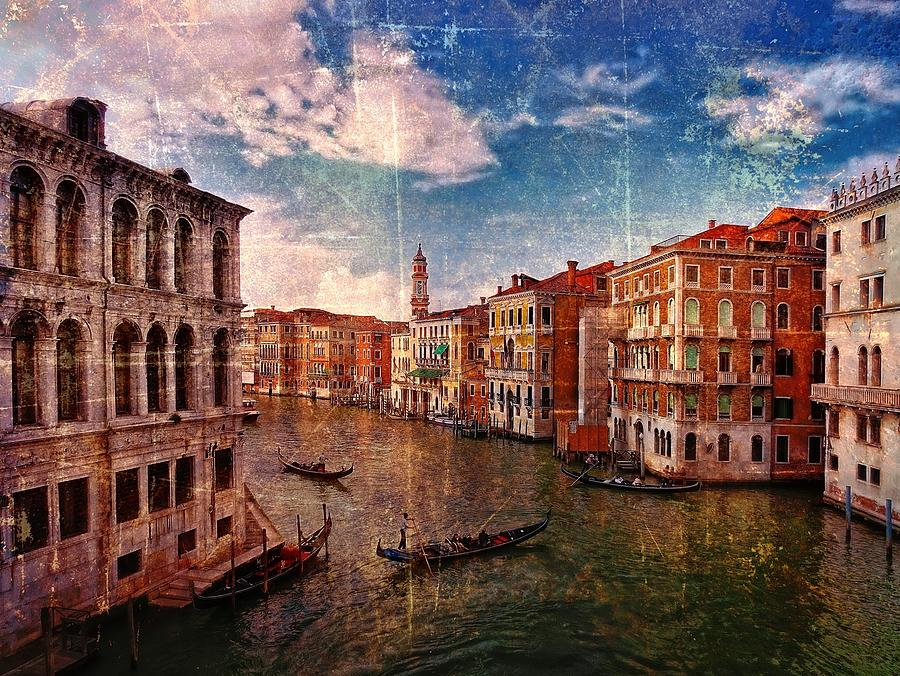 Grand Canal Venice Photograph - The Grand Canal Venice Italy by Suzanne Powers