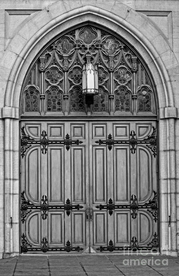 Montreal Photograph - The Grand Entrance by Bianca Nadeau