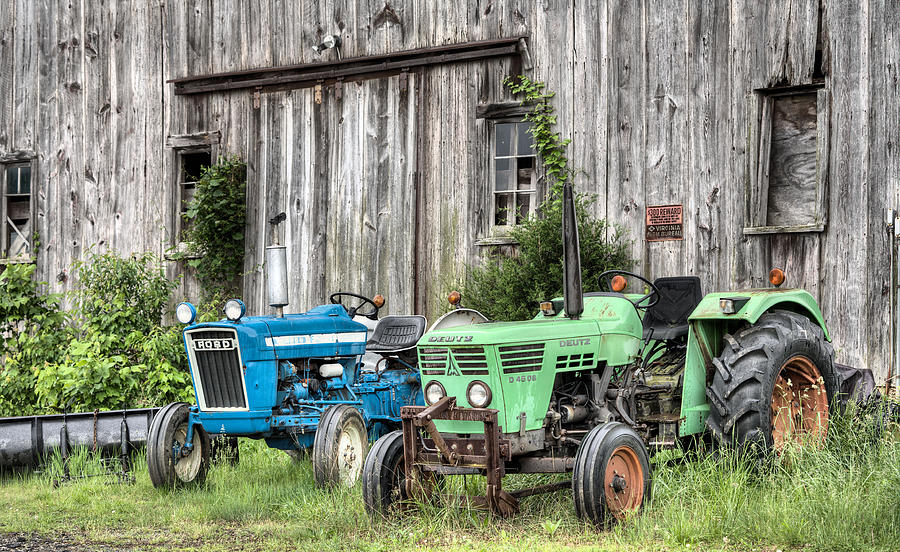 Farm Tractor Photograph - The Green Duetz by JC Findley