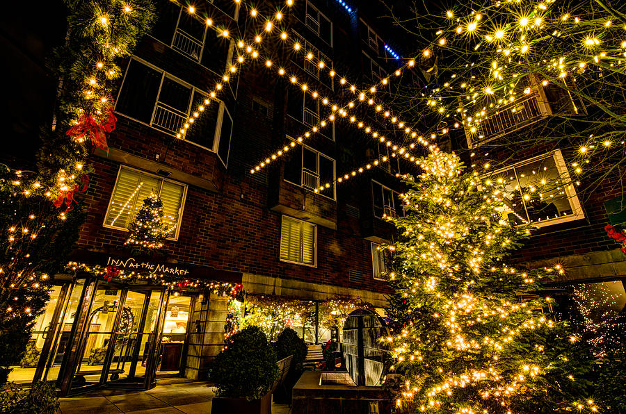 Christmas Lights Photograph - The Inn At The Market by Brian Xavier