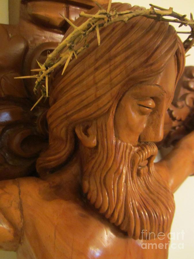 The jesus christ sculpture wood work carving poplar