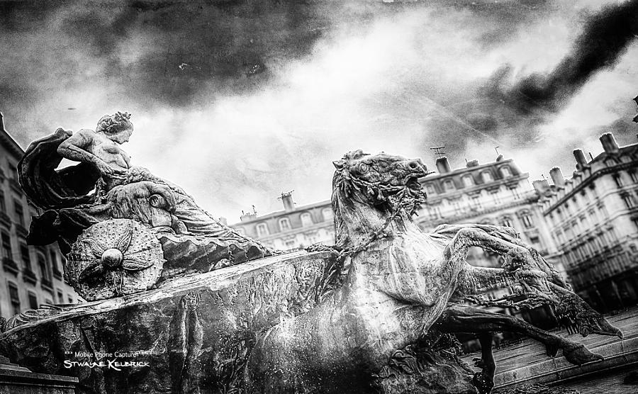 Black And White Photograph - The Knight of Freedom by Stwayne Keubrick