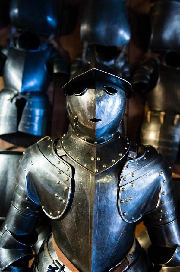 Innere Stadt Photograph - The Knight by Pedro Nunez