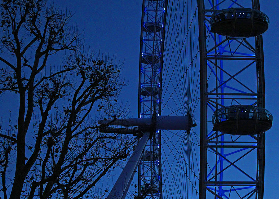 London Photograph - The London Eye by Ed Pettitt