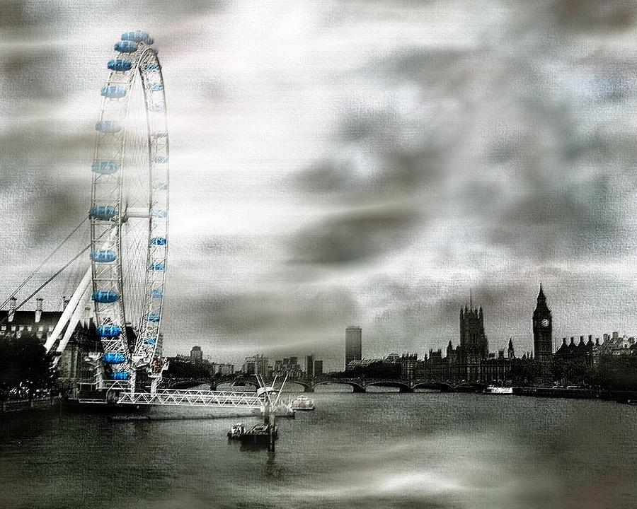 London Photograph - The London Eye by Wayne Wood
