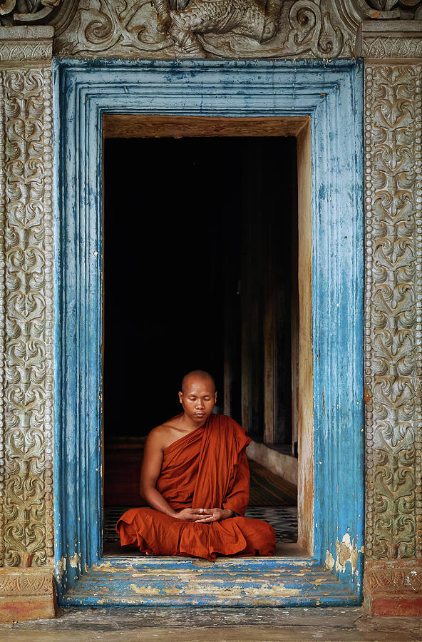 Cambodia Photograph - The Monks Of Wat Bo by Leah Kennedy