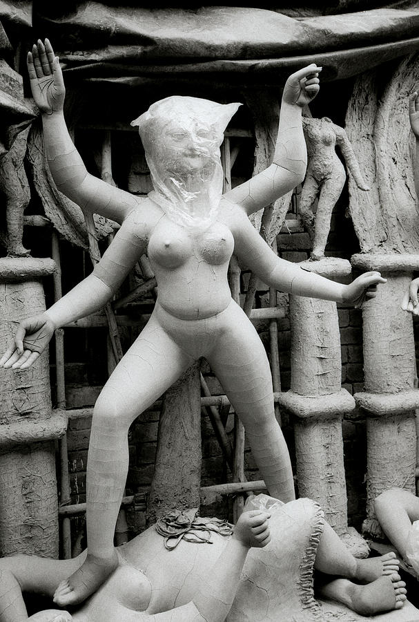 Nude goddess