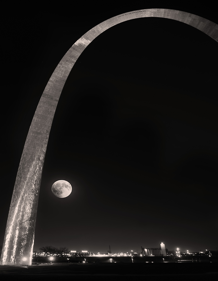 Gateway Arch Photograph - The Night Arch by Steven  Michael