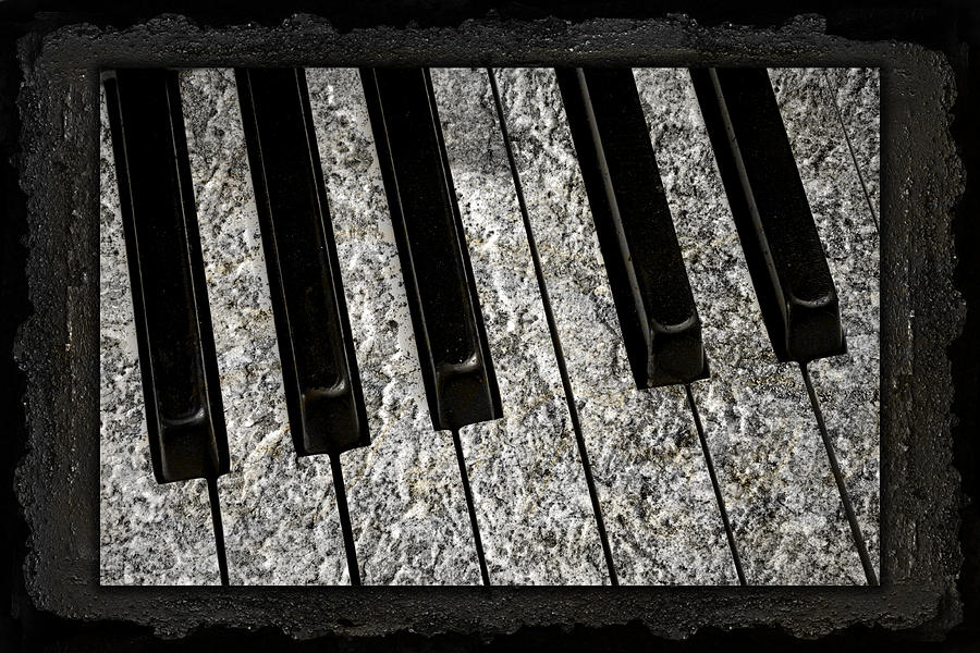 Piano Photograph - The Night The Music Died by John Stephens