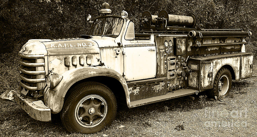 Fire Engine Photograph - The Old Volunteer by John Debar