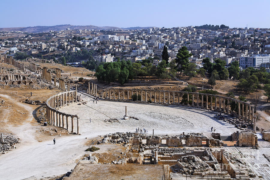 Oval Photograph - The Oval Plaza At Jerash In Jordan by Robert Preston