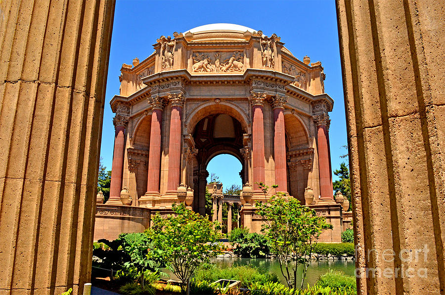 Jim Fitzpatrick Photograph - The Palace Of Fine Arts In The Marina District Of San Francisco by Jim Fitzpatrick