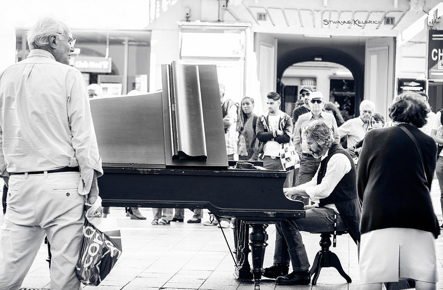 Black And White Photograph - The pianist of the high street by Stwayne Keubrick