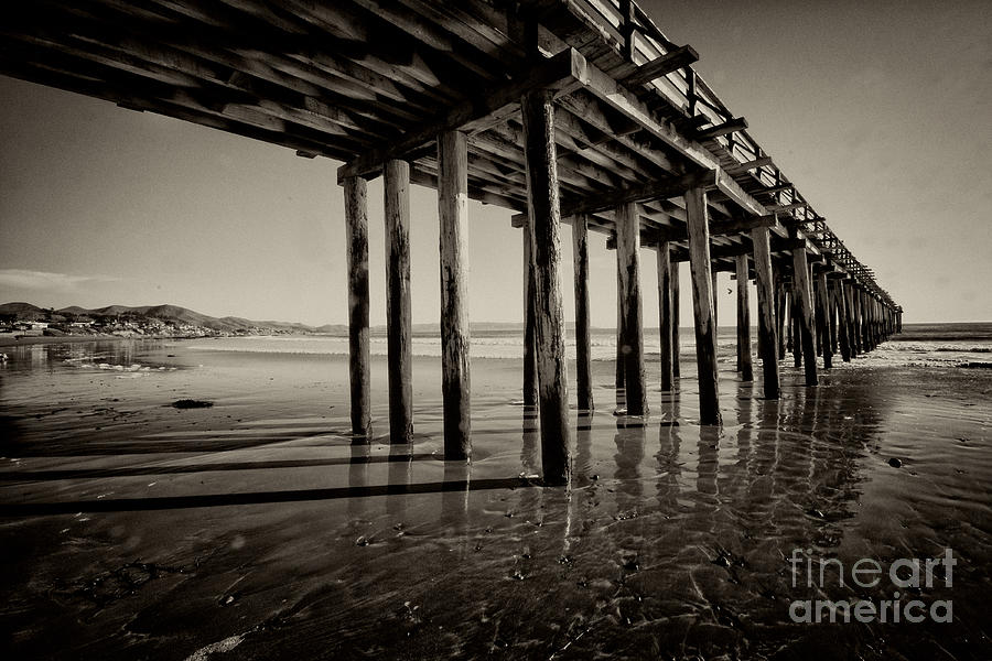 The Pier At Cayucos Photograph by Rob Hawkins
