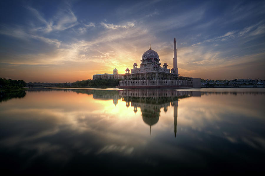 The Putra Mosque Photograph by Matyeomar