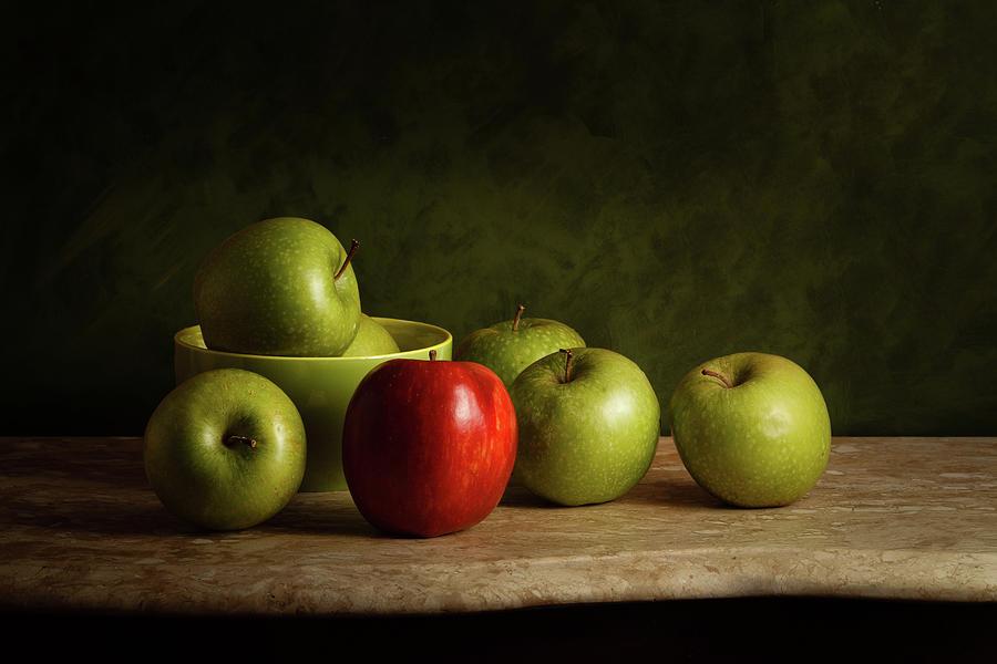 Apples Photograph - The Red by Luiz Laercio