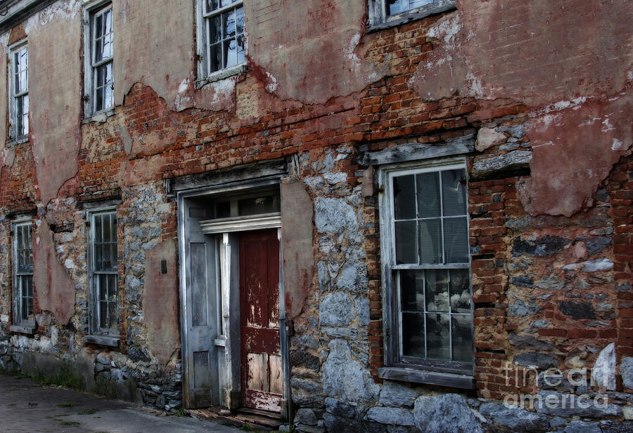 Architecture Photograph - The Ruins Of Art by Steven Digman