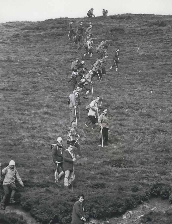 Retro Photograph - The Search For Bodies On The Moors Goes On by Retro Images Archive
